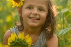 Child-Portraits-Sunflowers