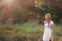 senior-photographer-pond-wild-flowers