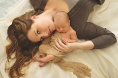 mommy and newborn photography