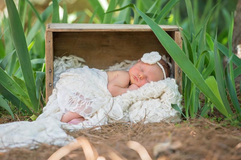 Hale-Newborn-9298e