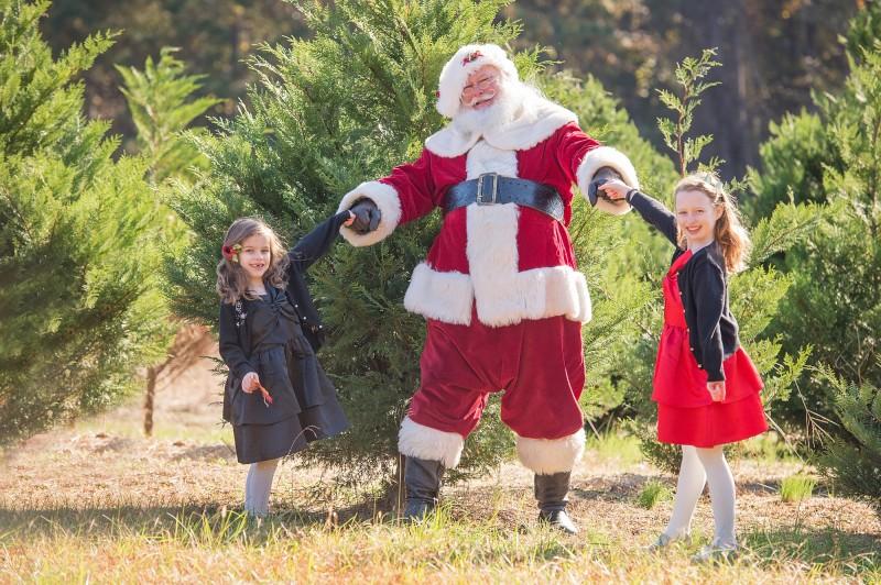 At-The-Farm-With-Santa