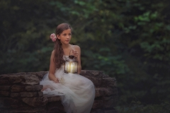 child-photography-with-latern-roswell