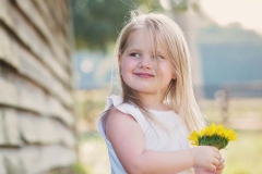 little-girl-sunflower-portraits-photography