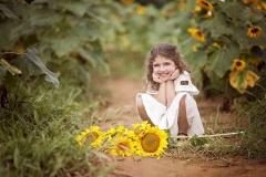 sunflower-farm-photography-little-girl-2