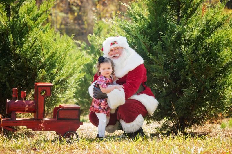 Santa-Hugs-Freckled-Flower-Photography-Roswell