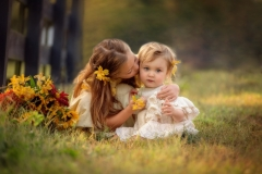 sibling child photography on the farm
