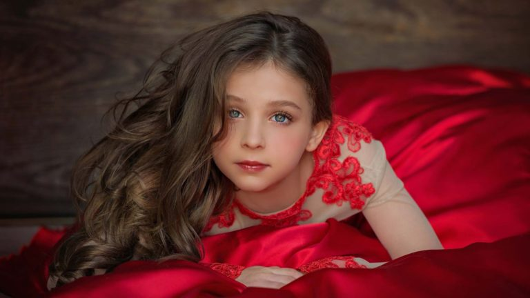 child-model-red-butterfly-closet-dress-photography