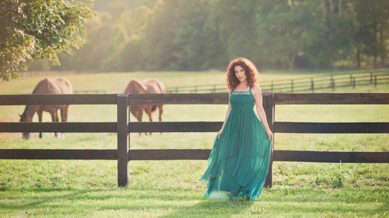 model-horse-farm-styled-milton