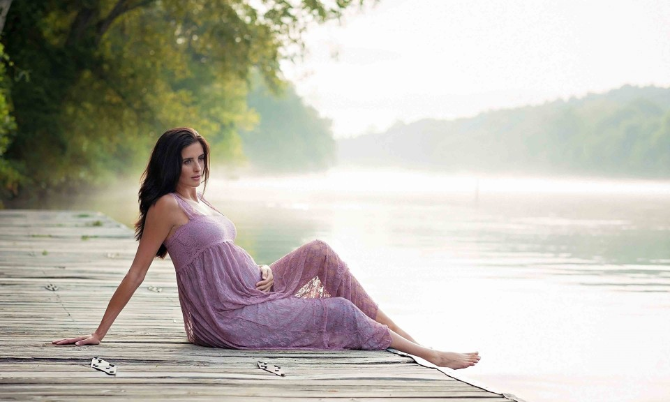 Maternity photos by Roswell photographer