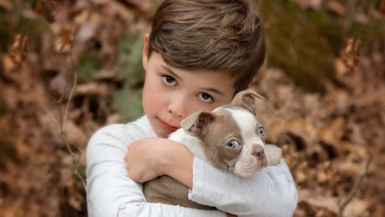 roswell-photographer-boy-with-puppy