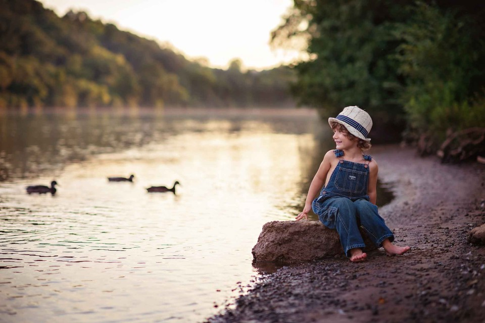 Boy-looking-at-river-roswell-river-photographer