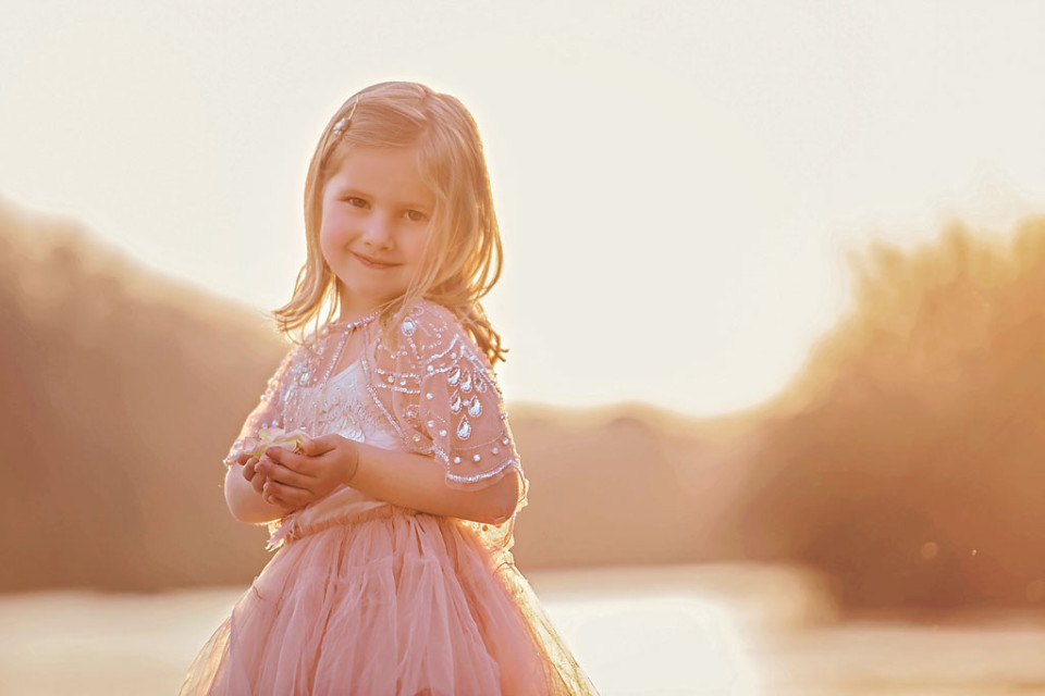 little-girl-photography-roswell-river