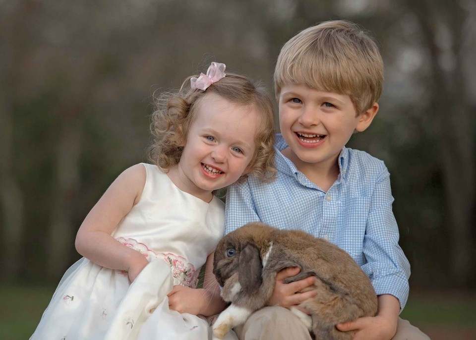 siblings-and-bunny-north-atlanta-photographer