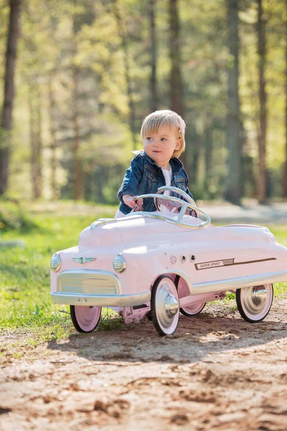 child-with-car-photography