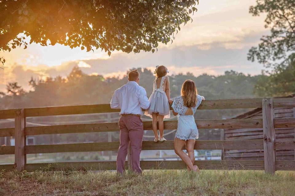 Family-Farm-Sunset-Milton-Photography