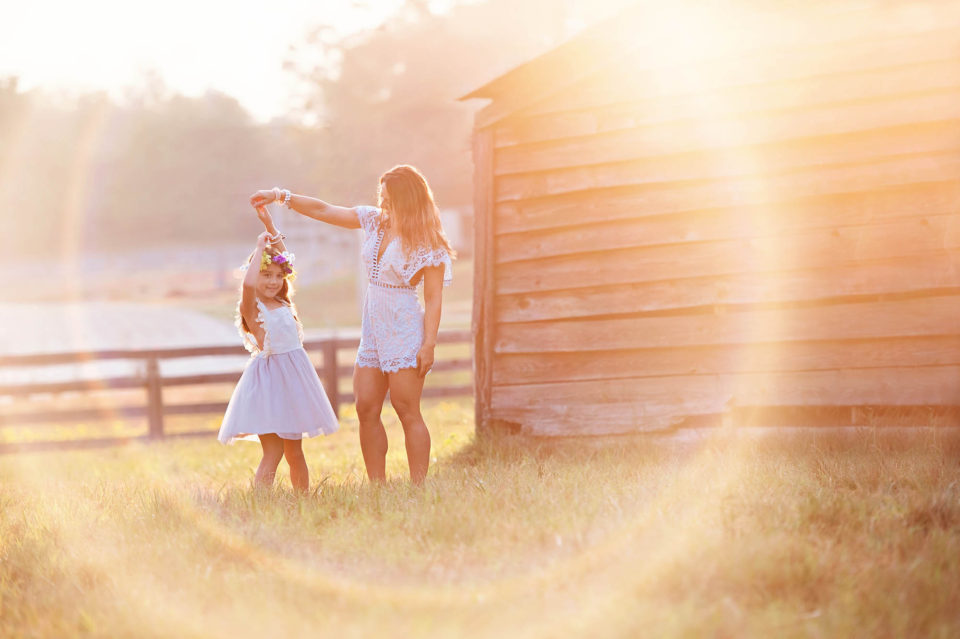 Mother-Daughter-Rainbow-Photography