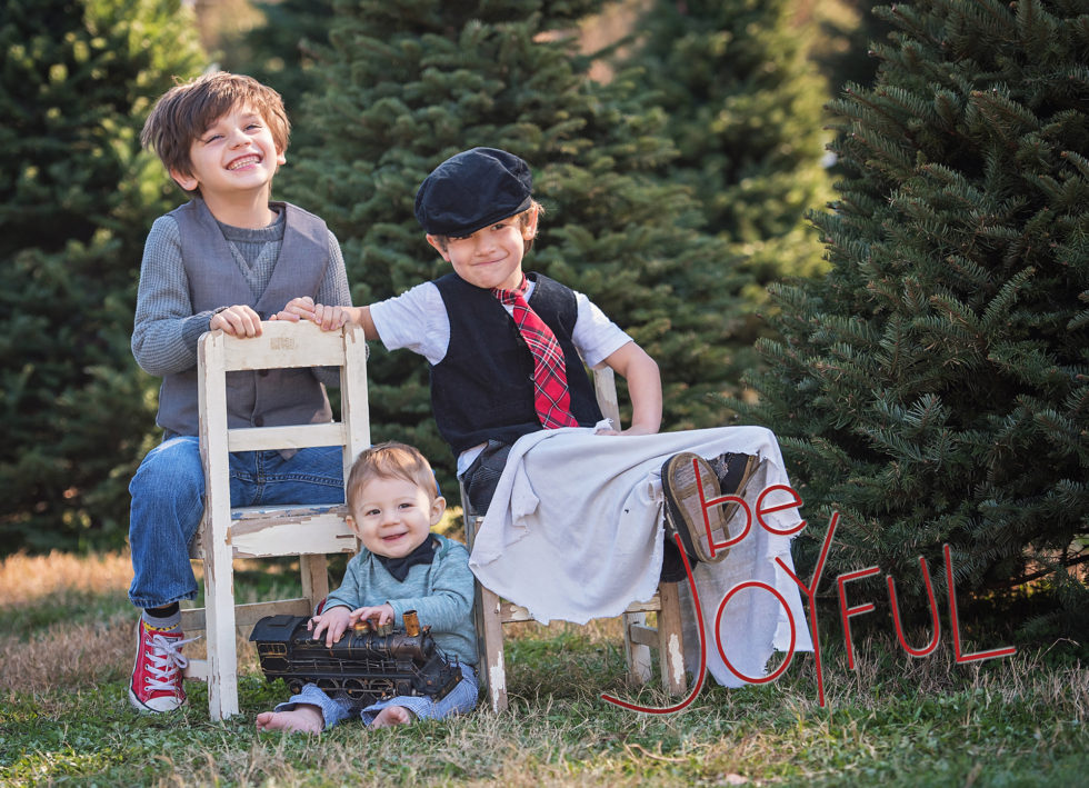 How to Choose a Family Photo for your Holiday Card
