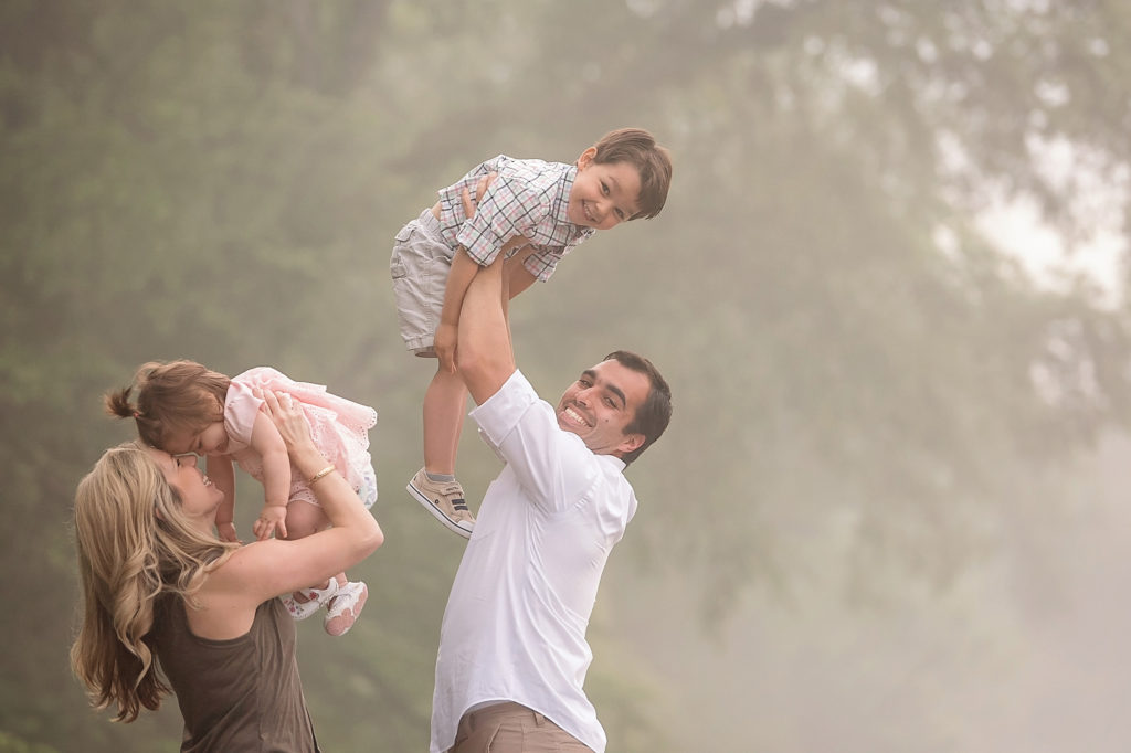 Fun-Family-Photography-Ideas-1024x682.jpg